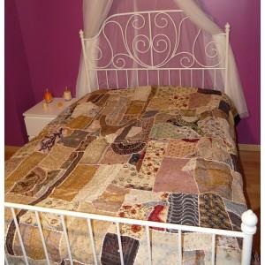 Couvre-lit en patchwork brodé fait main Sahel