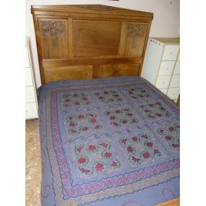 Couvre-lit en coton brodé et orné de miroirs bleu jean