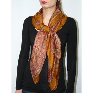 Foulard en soie grand carré imprimé Moutarde